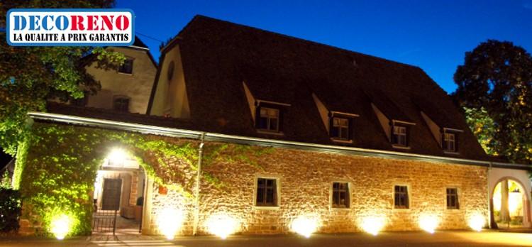 Les projecteurs led pour l 39 clairage blog decoreno for Projecteur lumiere maison