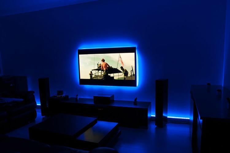 le ruban led pour rendre votre t l viseur design blog decoreno. Black Bedroom Furniture Sets. Home Design Ideas